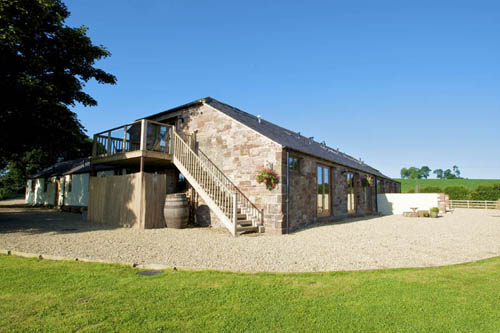 Self-catering holiday accommodation for large groups of up to 6 at Hall Hills with easy access to the Lake District